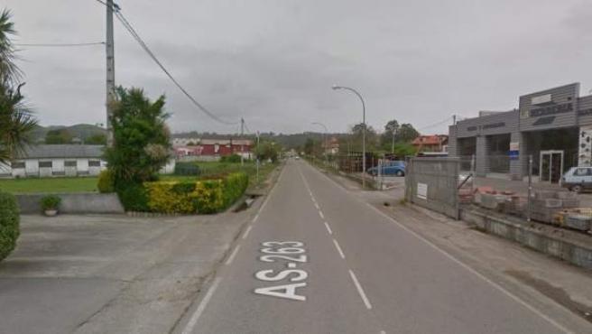 Carretera general AS 263, a su paso por Posada de Llanes.