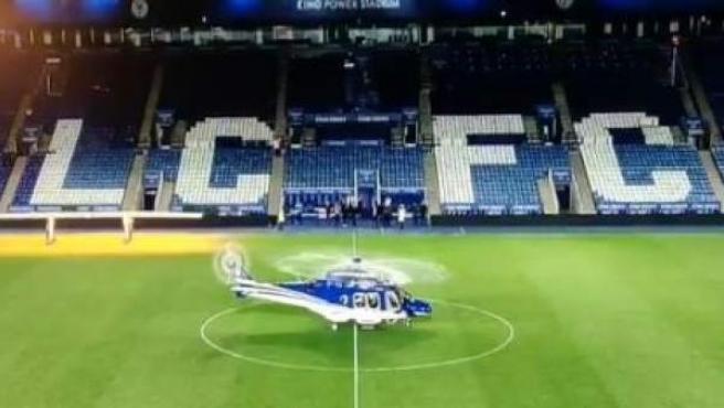 El helicóptero del presidente del Leicester, instantes antes de despegar y sufrir un accidente.