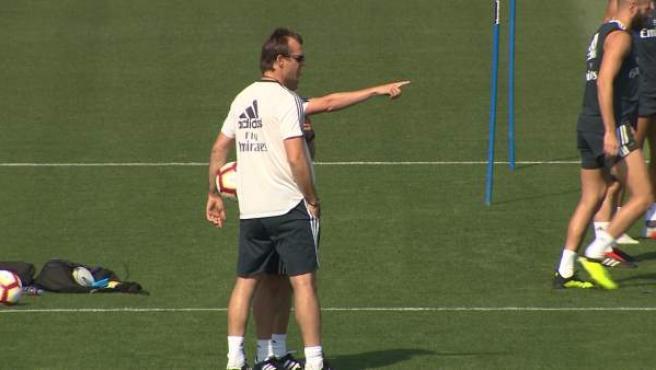 Julen Lopetegui en un entrenamiento del Real Madrid