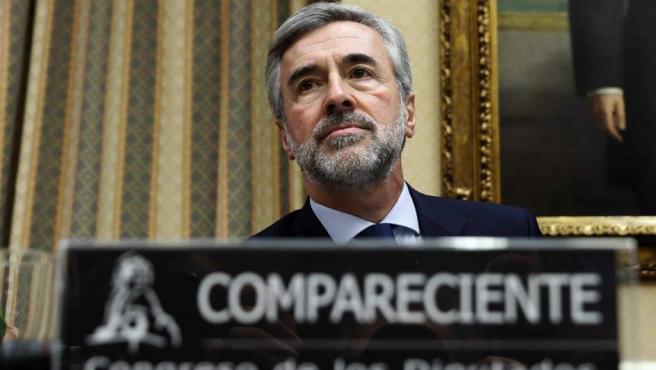 Ángel Acebes ante la comisión sobre la presunta financiación irregular del PP en el Congreso.