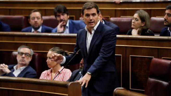 El líder de Ciudadanos, Albert Rivera, interviene en la sesión de control al Gobierno en el Congreso.