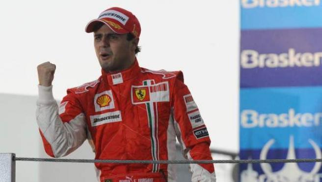 Felipe Massa, con lágrimas en los ojos tras ganar el GP de Brasil de 2008 en el que perdió el Mundial.