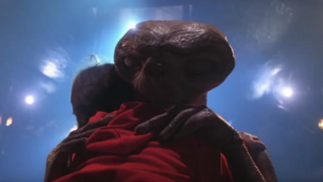 2 de noviembre: hoy E. T. vuelve a casa