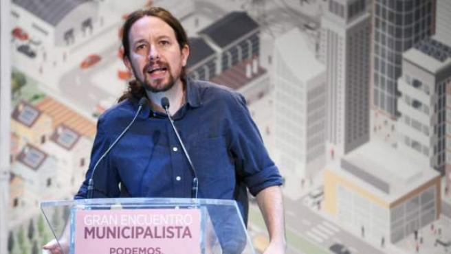 El secretario general de Podemos, Pablo Iglesias, interviene en el Gran Encuentro Municipalista celebrado en Alcorcón.