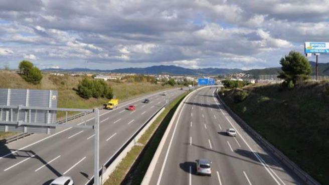 La Autopista del Mediterráneo (AP-7), a su paso por Mollet del Vallès (Barcelona), en una imagen de archivo.