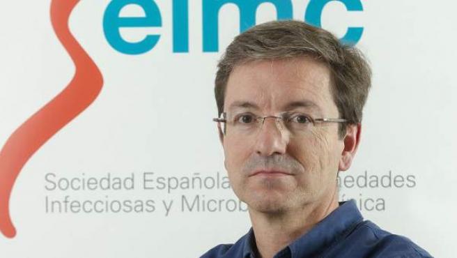 El doctor José Miguel Cisneros, presidente de la Sociedad Española de Enfermedades Infecciosas y Microbiología Clínica (SEIMC).