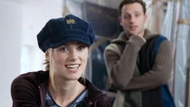 Nunca adivinarías la razón por la que Keira Knightley llevaba gorro en 'Love Actually'