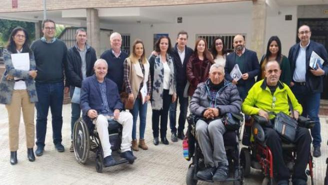Gracia Fernández con usuarios de centros especiales de empleo