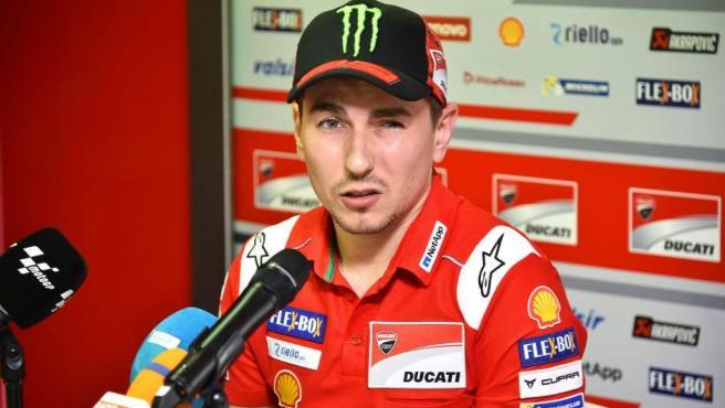 El del mallorquín es otro de los grandes nombres del motociclismo español y mundial. Ha ganado cinco campeonatos del mundo, incluyendo tres en la categoría de Moto GP. Desde 2019 correrá para Repsol, dejando atrás su periodo en Ducati.