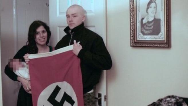 Adam Thomas y Claudia Patatas, la pareja de neonazis.
