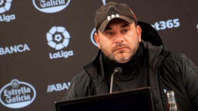 Antonio Mohamed, en una rueda de prensa del Celta