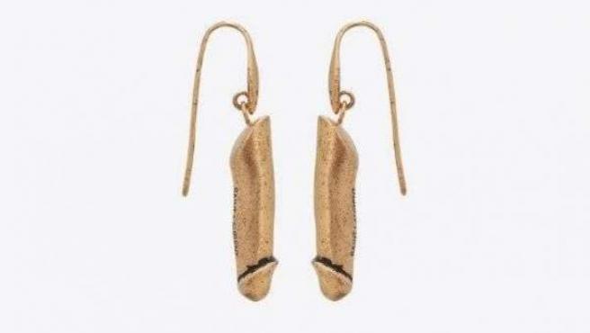 La marca de lujo Yves Saint Laurent lanza una colección de joyería en la que los genitales masculinos son los protagonistas.