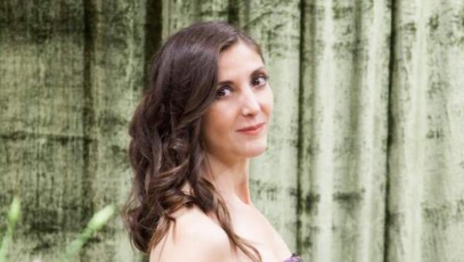 La escritora Espido Freire presenta su perfume Floral que acompaña con un relato inédito.
