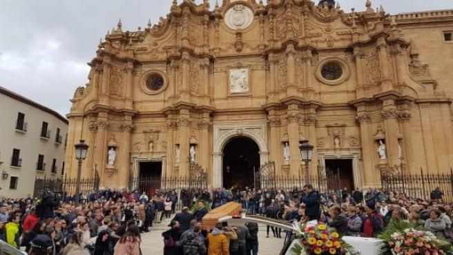 Entierro de tres fallecidos por la explosión en Pirotecnia Angustias