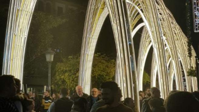 Arcos del alumbrado navideño en Puente Genil