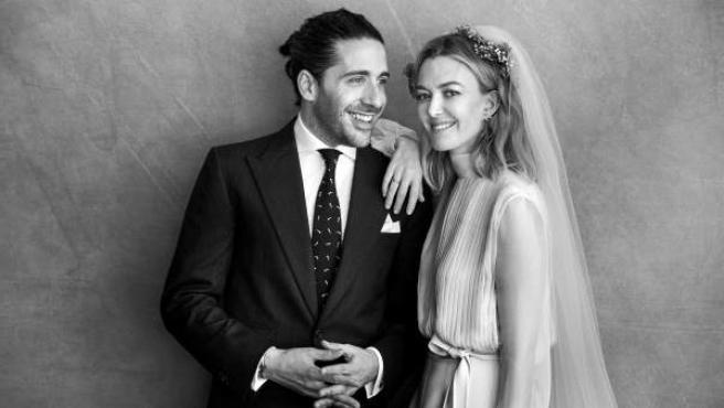 Marta Ortega y Carlos Torretta, durante la ceremonia en la que han contraído matrimonio en el domicilio familiar de A Coruña.
