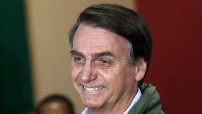 El candidato ultraderechista Jair Bolsonaro, antes de votar en la segunda vuelta de las elecciones presidenciales de Brail, en una área militar en la zona norte de Río de Janeiro.