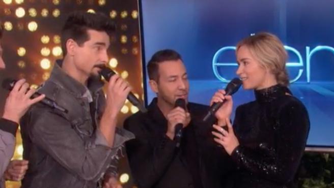 Vídeo del día: Emily Blunt se arranca a cantar con los Backstreet boys