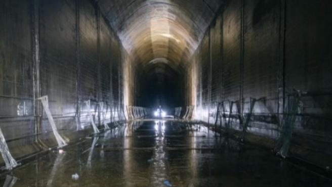 Túneles subterráneos secretos construidos durante la Segunda Guerra Mundial en Invergordon, Escocia.