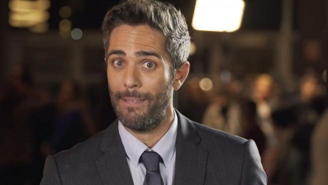 El presentador de televisión, Roberto Leal, anima a los jóvenes para que voten en las elecciones europeas.