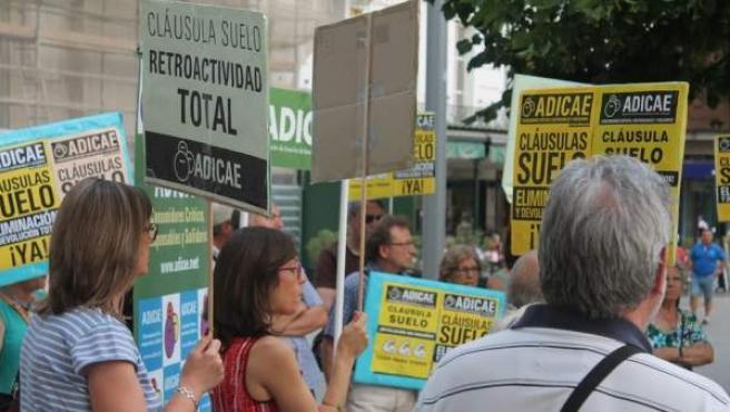 Manifestación contra las cláusulas suelo.