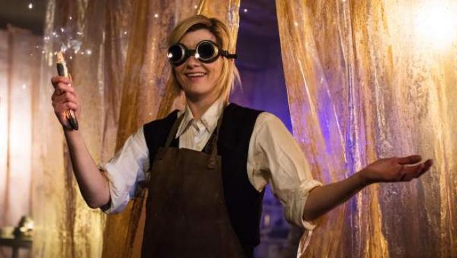 Jodie Whittaker como el Decimotercer Doctor de 'Doctor Who'.