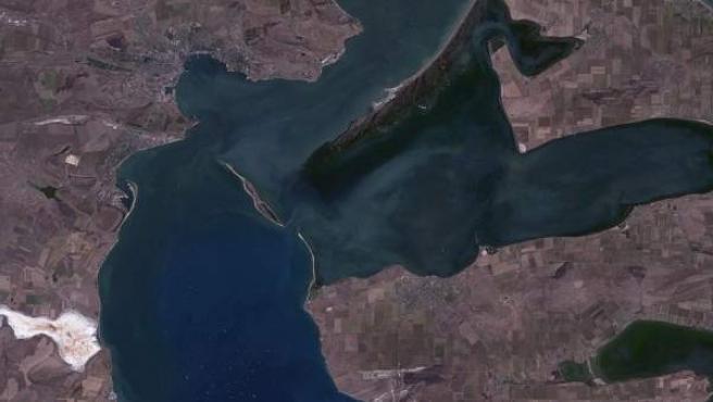 Estrecho de Kerch, que conecta el Mar Negro y el Mar de Azov.