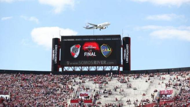 El Estadio Monumental, hogar de River Plate, mientras se llenaba para la final contra Boca Juniors.