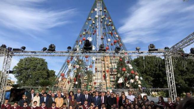 Ballesta junto a Guillén y Pacheco presentan programa actividades Navidad