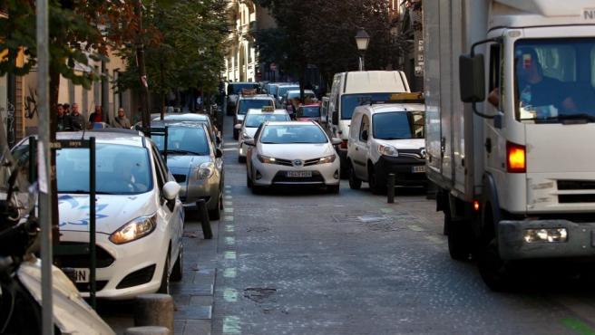 Desaparece la zona azul en Madrid Central, con la única opción de estacionamiento en superficie en zona verde, un máximo de dos horas.
