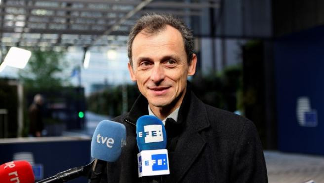 Pedro Duque durante su comparecencia con los medios desde Bruselas.