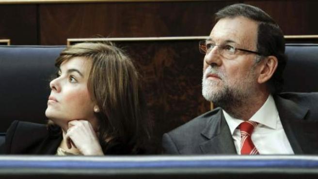 Imagen de archivo de Soraya Sáenz de Santamaría y Mariano Rajoy en el Congreso.