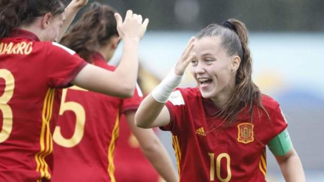 Claudia Pina celebra uno de los goles de España en las semifinales del Mundial Sub-17.