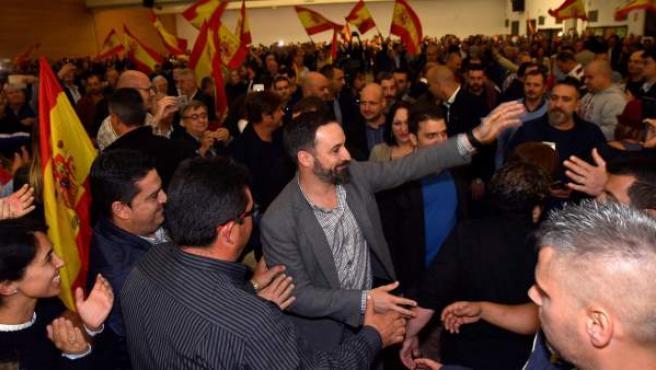 Santiago Abascal, en uno de los últimos mítines de Vox en la campaña andaluza, celebrado en Roquetas de Mar.