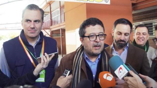 El candidato de Vox a la Presidencia de la Junta de Andalucía, Francisco Serrano, durante la jornada electoral de los comicios autonómicos andaluces.