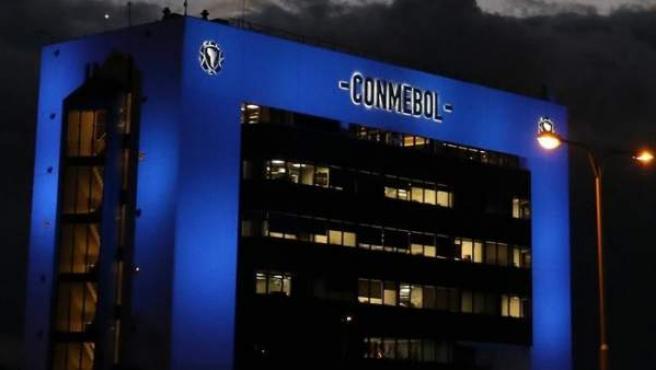 <p>La sede de la Confederación Sudamericana de Fútbol (Conmebol), en Luque (Paraguay).</p>