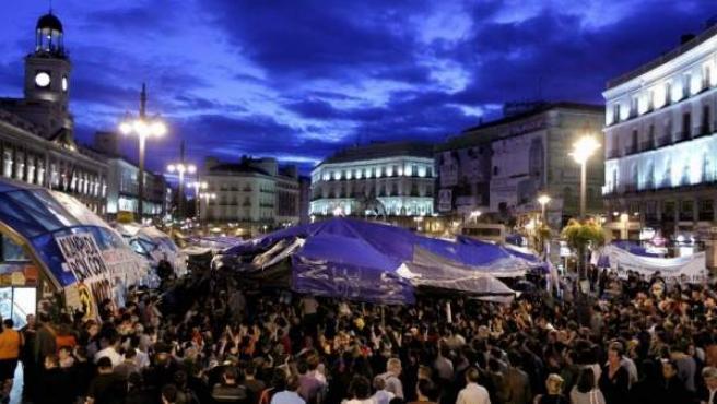 Imagen de archivo de una de las asambleas del movimiento 15-M en la Puerta del Sol de Madrid.