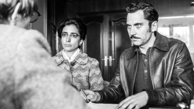 Paco León e Inma Cuesta en 'Arde Madrid'.