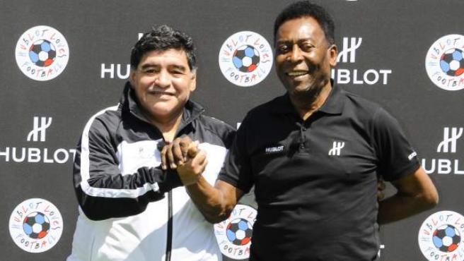 Diego Maradona y Pelé, en un acto benéfico.