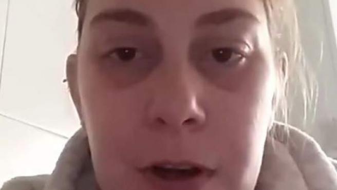 Mujer que advierte de su suicidio si es desahuciada.