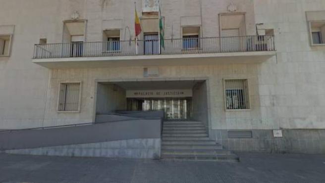 Exterior de los juzgados de Huelva.