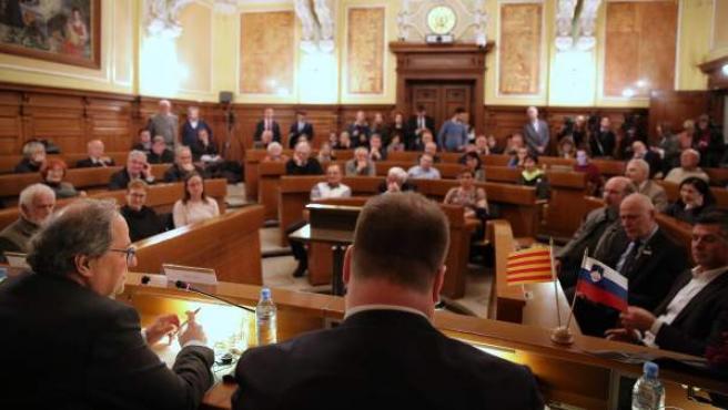 El presidente de la Generalitat, Quim Torra, dando una conferencia en Eslovenia