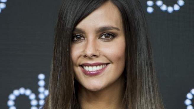 Cristina Pedroche durante un acto promocional de una marca de planchas para el pelo.