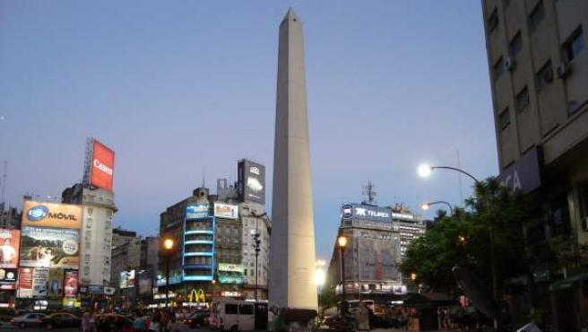 Una imagen de la ciudad de Buenos Aires, en la famosa plaza del obelisco.