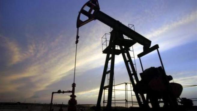 Imagen de un pozo de petróleo.