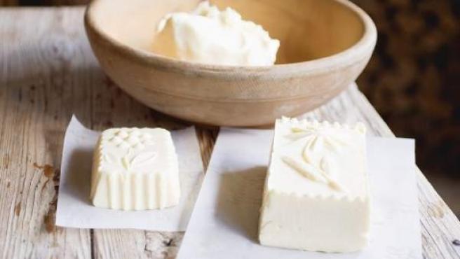 que es mas saludable la mantequilla o la margarina y porque
