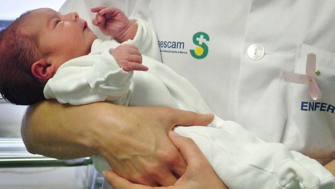 Nacimiento de un bebé en el Hospital de Guadalajara