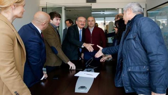 Mazón se reúne con representantes de FICAN