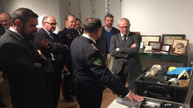 Exposición en Cádiz para conmemorar los 25 años de la Policía andaluza