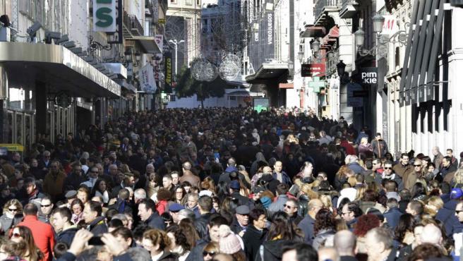 Imagen de la calle Preciados de Madrid, abarrotada de viandantes.
